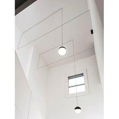Lampada a sospensione string_lights_testa_a_sfera by #FLOS. 23 studio luce rivenditore Flos a Padova www.23studioluce.com