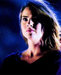☯ malia tate gif hunt ☯ small and medium, textless, hq gifs of Shelley Hennig as Malia Tate can be found under the cut. Teen Wolf Malia, Malia Hale, Shelley Hennig, Head And Heart, Female Face, Famous Girls, Hunts, Stiles, Face Claims