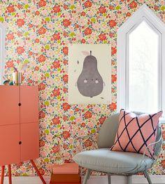 Jordgubben Wallpaper by Borastapeter   Jane Clayton