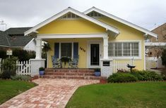 I have discovered that I have a thing for American bungalows.