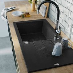 Granite composite sink w/ black tap Bathroom Sink Design, Kitchen Sink Design, Loft Kitchen, New Kitchen, Kitchen Decor, Kitchen Splashback Tiles, Kitchen Taps, Cuba Oval, Black Bathroom Floor