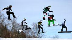 Harter Wettkampf: Achtelfinale der Männer in der Snowboard-Cross-Disziplin bei der FIS Snowboard-Weltmeisterschaft. Austragungsort war im letzten Jahr das kanadische Wintersportgebiet Stoneham.
