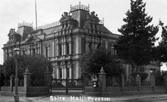 Preston Shire (Town) Hall in Victoria in 🌹 City Restaurants, Melbourne Victoria, Historical Pictures, Urban Planning, Town Hall, Preston, Picture Show, Old Photos, City Photo