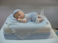 Whether you are going to order or bake your baby shower cake, you will need some inspiration! We have collected 25 baby shower cake ideas just for you! Cadeau Baby Shower, Deco Baby Shower, Bebe Shower, Torta Baby Shower, Baby Shower Cakes For Boys, Baby Shower Parties, Baby Shower Themes, Baby Boy Shower, Baby Cakes