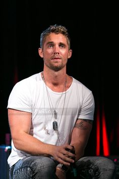Brett - Most creative tattoo list Male Country Singers, Country Music Artists, Cute Country Boys, Country Men, Country Music Concerts, Country Music Stars, Brett Young Lyrics, Perfect Man, Cute Guys