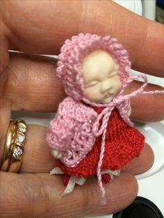 Hattu ja nuttu virkkaamalla 1:12 vauvalle