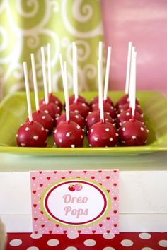 Strawberry-Cake-Pops