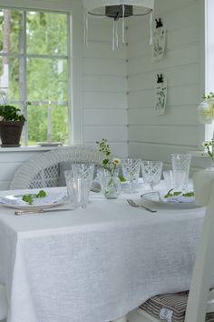 . Daisy Hill, Daisy Mae, Narcisse, Cottage Style Decor, White Cottage, White Gardens, Varanasi, White Rooms, Cottage Homes
