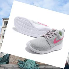 446ad79dca4c8 Nike Online Roshe Run Junior Donna Grigio Rosa Bianco.There are fashion and  good quality shoes.