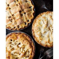 Trio Of Apple Pies With Lattice, Shingled And Fern Crust. Get this and 50+ more Pie Crust recipes at https://feedfeed.info/piecrust