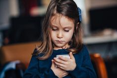 8 pravidiel pre rodiny, ako žiť šťastne v digitálnej dobe Crown, Fashion, Moda, Fasion, Crowns, Trendy Fashion, Crown Royal Bags, La Mode