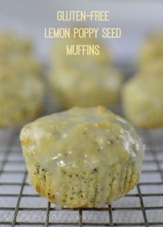 These decadent, tangy lemon poppyseed muffins are #glutenfree and delicious!