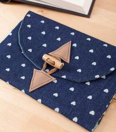 #DIY Envelope Clutch Purse from @Cricut® #cricutexplore