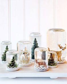 Christmas On A Budget, Noel Christmas, Mason Jar Crafts, Mason Jars, Christmas Wedding Favors, Diy Snow Globe, Snow Globes, Christmas Crafts, Christmas Ornaments