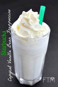 Copycat Starbucks Vanilla Bean Frappuccino from Life is Poppin' Starbucks Pumpkin, Starbucks Recipes, Coffee Recipes, Starbucks Green, Starbucks Drinks, Drink Recipes, Smoothies, Smoothie Drinks, Yummy Drinks