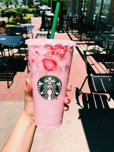 How to Make Your Favorite Starbucks Drink at Home - Starbucks drinks frappuccino - Menu Starbucks, Bebidas Do Starbucks, Copo Starbucks, Starbucks Hacks, Healthy Starbucks Drinks, Starbucks Secret Menu Drinks, Starbucks Frappuccino, Yummy Drinks, Starbucks Pink Drink Recipe