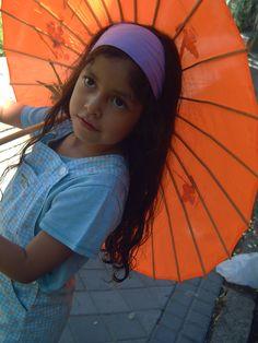 Kory y paraguas.
