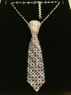 Princess Necktie by AmysAngelsJewelry on Etsy Jewelry Art, Beaded Jewelry, Unusual Jewelry, Beading Projects, Beads And Wire, Bead Crafts, Beading Patterns, Crystal Beads, Jewelry Making
