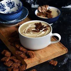 Cauliflower & Roasted Garlic Soup