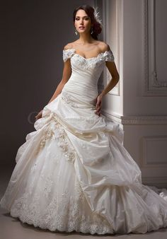 classic ball gown Dropped waist Flowers Sweetheart Wedding Dress - Gopromdressus.com