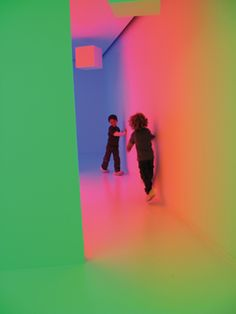 Carlos Cruz-Diez has intensively experimented with the origins and optics of color. His wide-ranging body of work includes unconventional color structures, light environments, street interventions, architectural integration projects and experimental works that engage the response of the human eye while insisting on the participatory nature of color. muac Museum, México