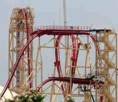 A Florida roller coaster on Wednesday night left 12 riders stranded for nearly 3 hours. The incident occurred on the Hollywood Rip Ride Rockit. The roller coaster, located at Universal Studios, is . Florida Vacation Deals, Florida Hotels, Universal Studios Florida, Universal Orlando, Universal City, Roller Coaster Ride, Roller Coasters, Fair Rides, Amusement Park Rides