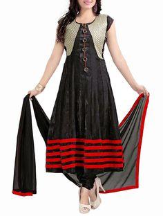 Breathtaking Black & Silver Embroidered Anarkali Salwar Kameez. #blackanarkalisuit #designeranarkalisuit #weddinganarkalisuit