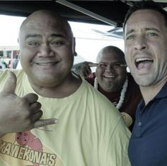 Alex O'Loughlin with Taylor Wily and Shawn Mokuahi Garnett (Kamekona and Flippa)