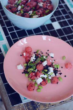 Salat med vandmelon, feta, edamame og mynte