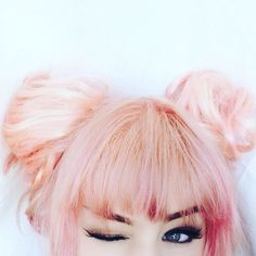 Still feeling the #pinkhair #unicorn #vibes this #summer #beauty #style #hairstyles #ipsy #sephora #birchbox #newportskinnytea