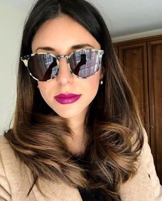 @azzurrafracassi wearing the MYKITA // KEELUT in Creamy Cookie/Black. The Keelut is a classic round sunglass crafted out of soft acetate and stainless steel. Available in 6 colors.