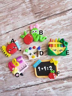 Cute Polymer Clay, Cute Clay, Polymer Clay Dolls, Polymer Clay Charms, Polymer Clay Projects, Handmade Polymer Clay, Clay Crafts, Magnum Paleta, Clay Keychain