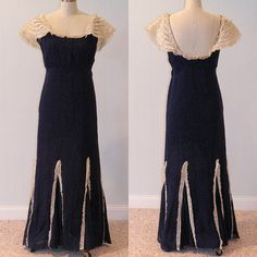 30's evening gown - spotty! Vintage Evening Gowns, Evening Dresses, Formal Dresses, 1930s Fashion, Vintage Fashion, Mermaid Skirt, Antique Clothing, Black Silk, Old Hollywood