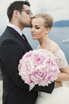 Pink Peony Bridal Bouquet from a Romantic Destination Wedding in Santorini, Greece. Bridal Portraits Outdoor, Bridal Portrait Poses, Brides And Bridesmaids, Bridesmaid Bouquet, Wedding Bouquets, Wedding Couples, Wedding Tips, Wedding Blog, Wedding Stuff