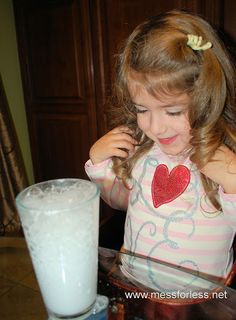 These chemical reactions fore preschoolers will amaze and delight kids. Teach kids science concepts in a fun and hands on way. Easy Science Experiments, Science Activities For Kids, Kindergarten Science, Science Classroom, Preschool Learning, Teaching Science, Fun Learning, Teaching Kids, Science Fun