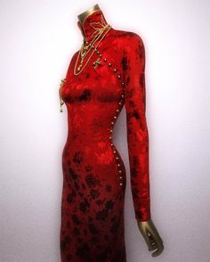 ohn Galliano (British, 1960)  for House of Dior (French, founded 1947). Dress, fall/winter 1997–98. Courtesy of Christian Dior Couture. Photography © Platon #ChinaLookingGlass #AsianArt100