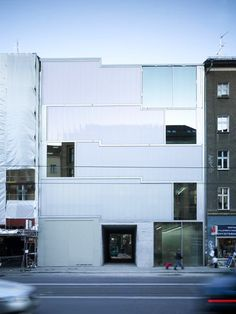 BERLIN - Studio and Gallery Brunnenstrasse 9 by Arno Brandlhuber Architect