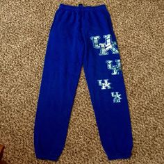 Victoria Secret Pink Kentucky Wildcats Sweat Pants Rare! Limited edition!  Good used condition! No rips, stains or tears. So cute and comfy! Cheer on your wildcats! PINK Victoria's Secret Pants Track Pants & Joggers