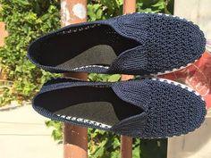 Lacivert Örgü Babet Ayakkabı Kısa Tanıtımı - YouTube Crochet Shoes, Irene, Macrame, Inspiration, Fashion, Knitting And Crocheting, Tricot, Hand Crafts, Templates
