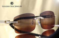 The perfect shot 💥 Designer Glasses For Men, Golden Sun, Stylish Sunglasses, Timberland Boots, Cartier, Eyeglasses, Eyewear, Men's Accessories, Luxury