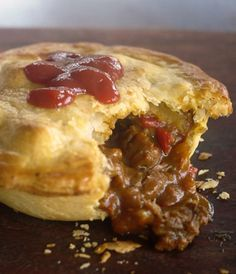 Curry Beef Pies - a Julie Goodwin recipe Empanadas, Meat Recipes, Whole Food Recipes, Cooking Recipes, Savoury Recipes, Pastry Recipes, Cake Ingredients, Homemade Tacos, Gourmet