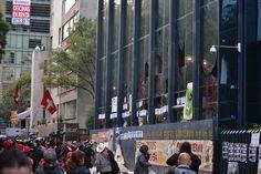 Vidrios rotos de la PGR Manifestación frente a la PGR. 15 de octubre de 2014