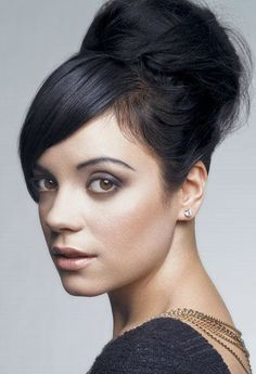 Lilly Allen/Lilly Rose Cooper, Singer