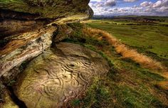 Year Old Neolithic Stone Carving in Northumberland Photograph by B. KERR The image above shows an extraordinary neolithic stone carving dating back approximately years. Located in Ketley Crag, Northumberland (North East England) Ancient Aliens, Ancient History, Monuments, Alexandre Le Grand, Stone Age, Art Sites, Ancient Artifacts, Stone Carving, Rock Art
