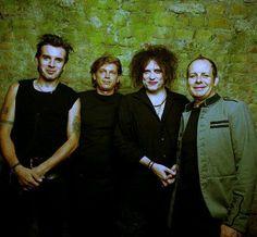 Simon, Jason, Robert and Porl of THE CURE