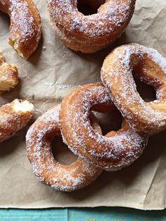 Roscos de naranja y ron {estúpido, da} Tostadas, Ron, Doughnut, Desserts, Spelt Flour, Spices And Herbs, Juices, Sweets, Donut Holes