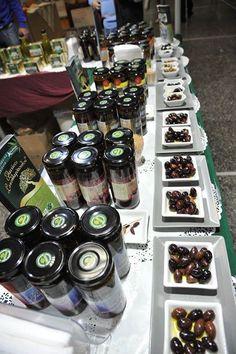 Διαγωνισμός από τους Ελαιώνες Σακελλαρόπουλου με δώρο βιολογικά προϊόντα παραγωγής τους σε (32) τυχερούς - http://www.saveandwin.gr/diagonismoi-sw/diagonismos-apo-tous-elaiones-sakellaropoulou-me-doro-viologika-proionta/