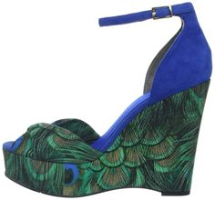 Nine West Women's Dig Platform Sandal, Green Enchanted Peacock: Shoes Peacock Shoes, Peacock Dress, Peacock Decor, Peacock Colors, Peacock Design, Peafowl, Costume Accessories, Beautiful Shoes, Shoes Heels Boots