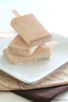 Low-carb chai tea ice pops