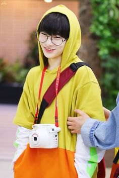kpop // stray kids // i.n. Lee Min Ho, Wattpad, Sung Lee, Kid Memes, Kids Wallpaper, Lee Know, Fan Fiction, Kpop Boy, K Pop